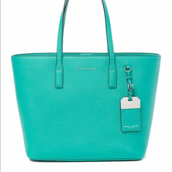 77f8b5b4349c Marc Jacobs luggage tag tote bag in aloe color